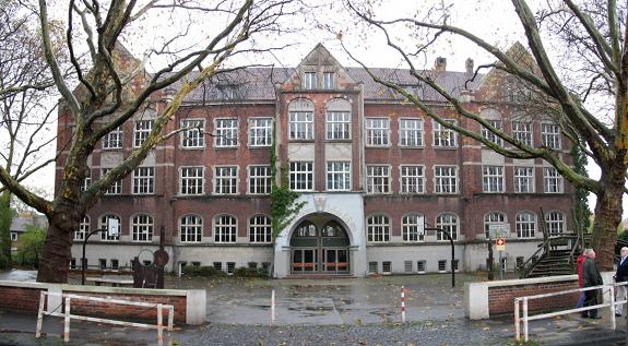 koenigin-luisen-schule_vorn_i
